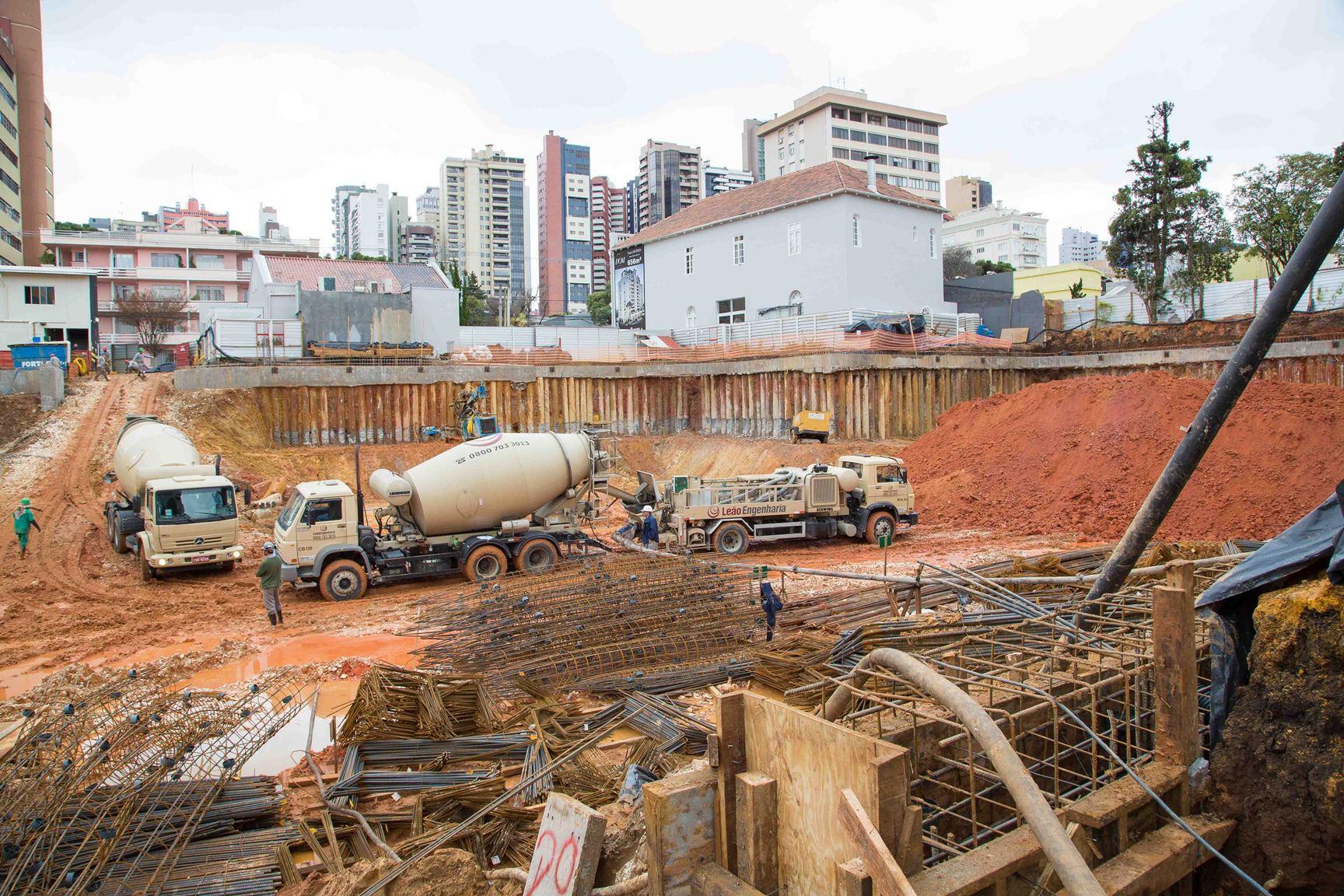 Fundação | Dom Batel – Apartamentono  Batel - Curitiba - Paraná